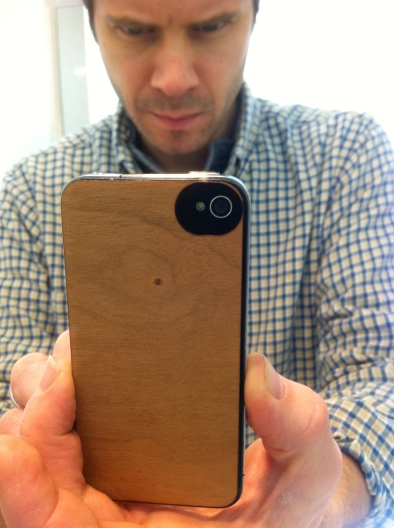 Very stylish self portrait of my iPhone with its new wooden back.